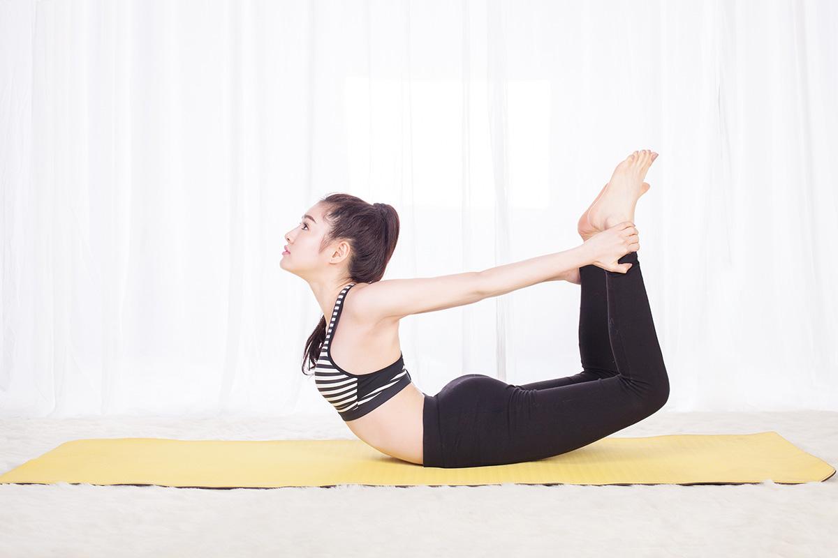 tập yoga cánh cung