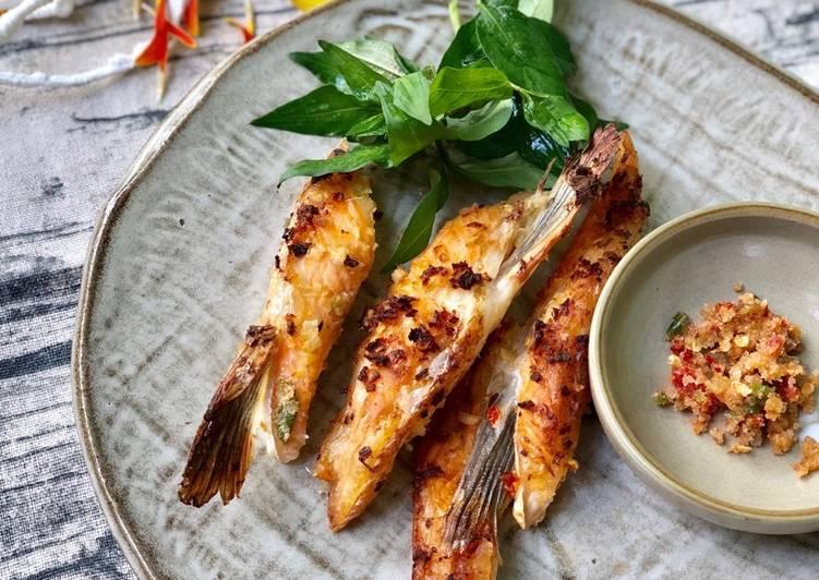 cá hồi nướng với muối ớt