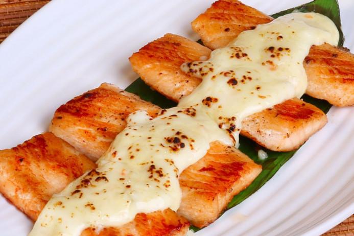 cách àm cá hồi nướng phô mai ngon