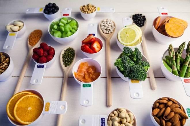 chia nhỏ bữa ăn để hạn chế buồn nôn