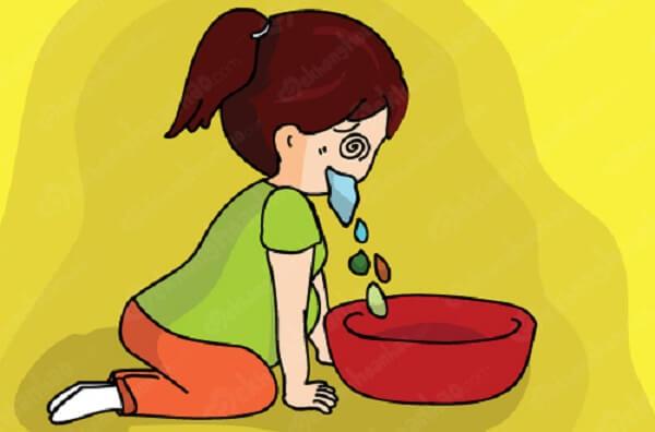 phụ nữ mệt mỏi do buồn nôn thai kỳ